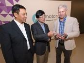 Lenovo acquires Motorola, becomes third largest smartphone maker