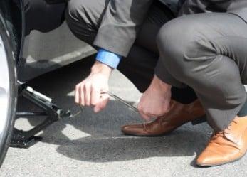 Wass-Up Tech: Oracle,Volkswagen, Delta. Crack, Smash, Down!